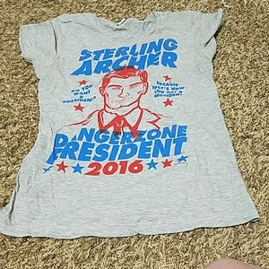 Size Medium Fitted Archer graphic Tee